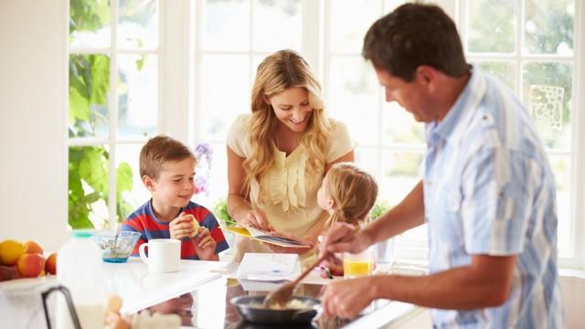 טיפול משפחתי בהשמנה (אילוסטרציה)